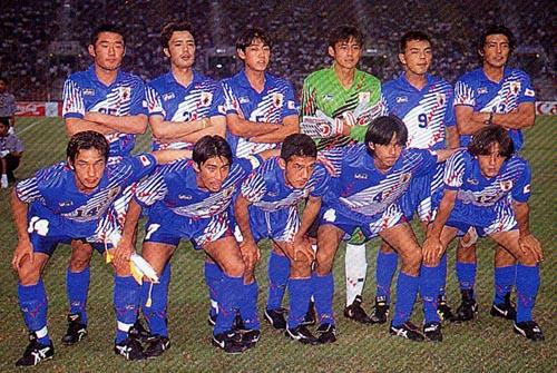 日本95asicsU22青青青-集合.JPG