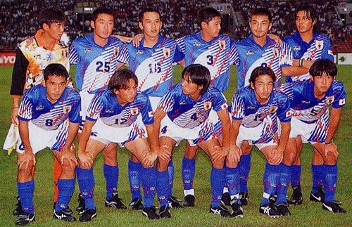 日本95asicsU22青白青-集合.JPG