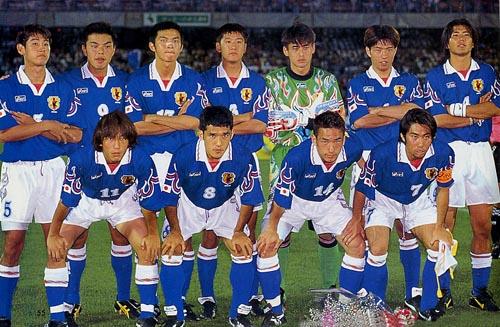 日本96asicsU23青白青-集合.JPG