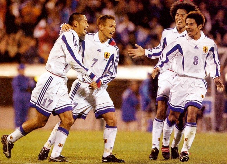 日本99-00adidas白白白-歓喜.JPG