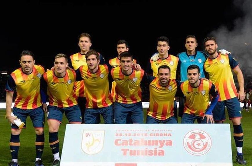 Catalunya-2016-Astore-home-kit-yellow-navy-navy-line-up.jpg
