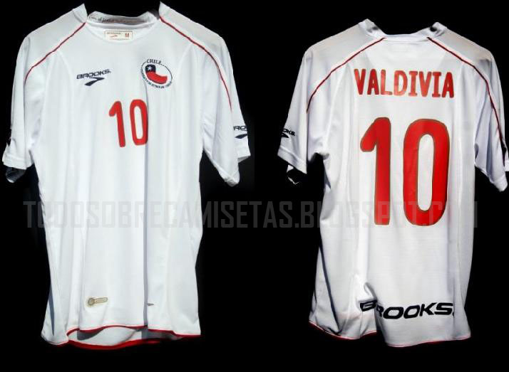 Chile-10-11-BROOKS-away-shirt.jpg