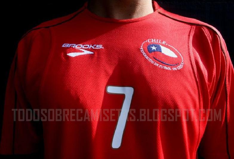 Chile-10-11-BROOKS-home-shirt-1.jpg