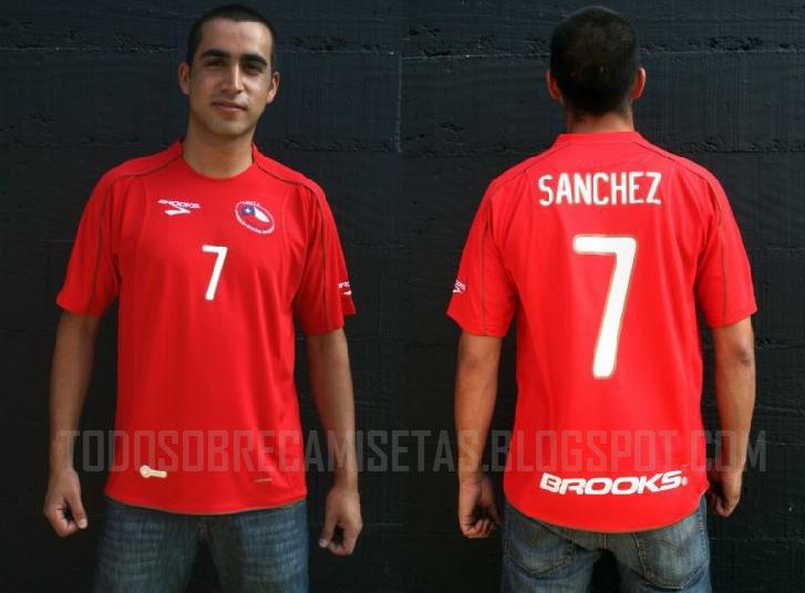 Chile-10-11-BROOKS-home-shirt-2.jpg