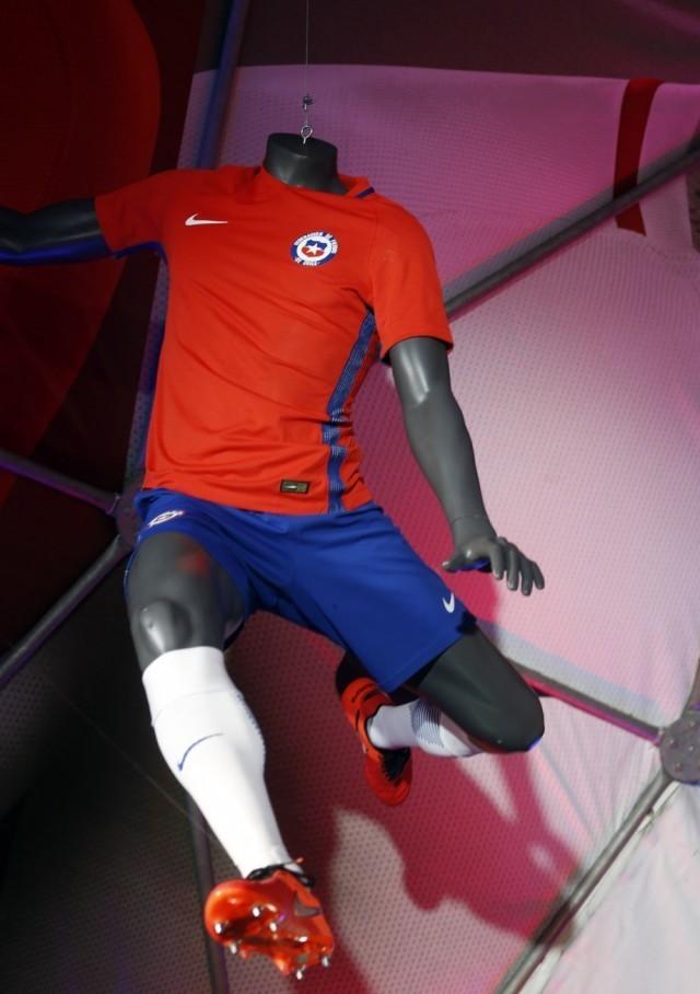 Chile-2016-NIKE-new-home-kit-6.jpg