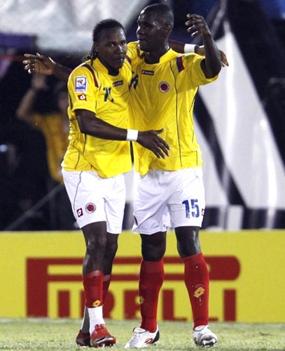 Colombia-09-10-lotto-uniform-yellow-white-red.JPG