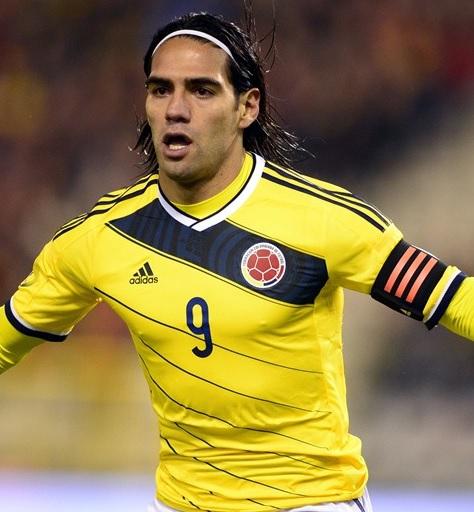 Colombia-13-15-adidas-home-kit-yellow-white-white-2.jpg