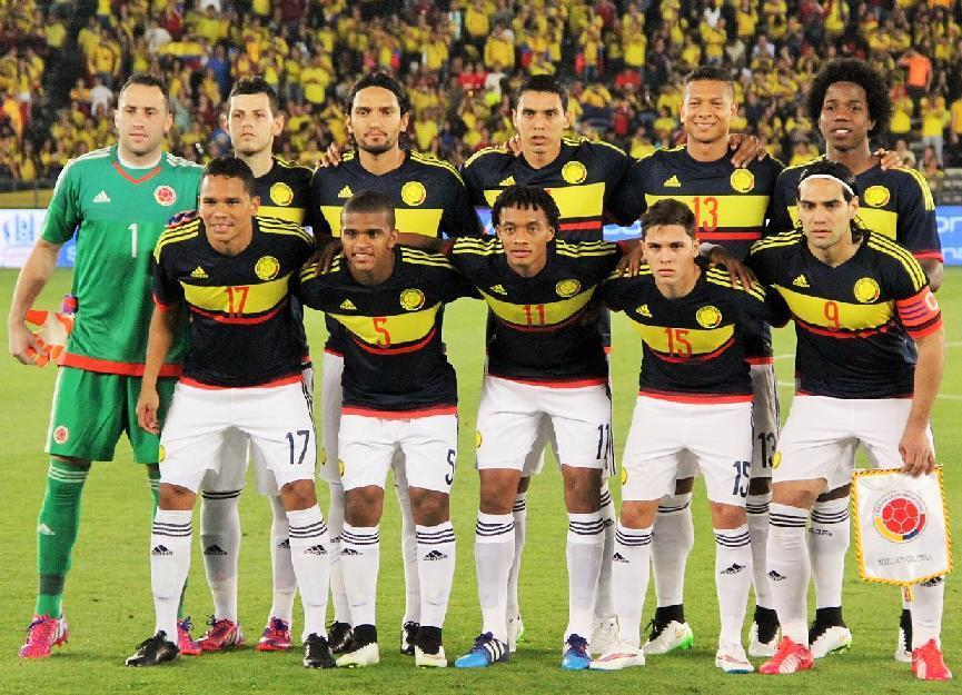 Colombia-2015-adidas-away-kit-navy-white-white-line-up.jpg