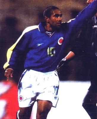 Colombia-99-Reebok-uniform-blue-white-blue.JPG
