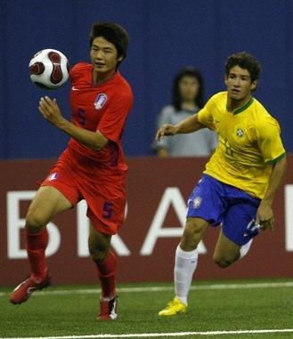 D070703ブラジル黄青白3-2韓国赤赤赤.jpg