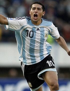 D1アルゼンチンfootball縞.jpg