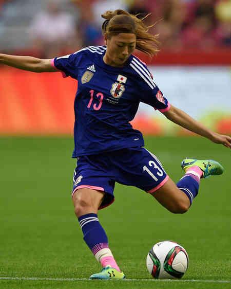 なでしこ-2015-adidas-カナダ-ワールドカップ-ホーム-宇津木.jpg