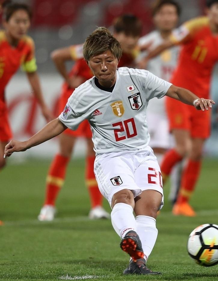 なでしこ-2018-adidas-アジアカップ-アウェイ-横山久美.jpg
