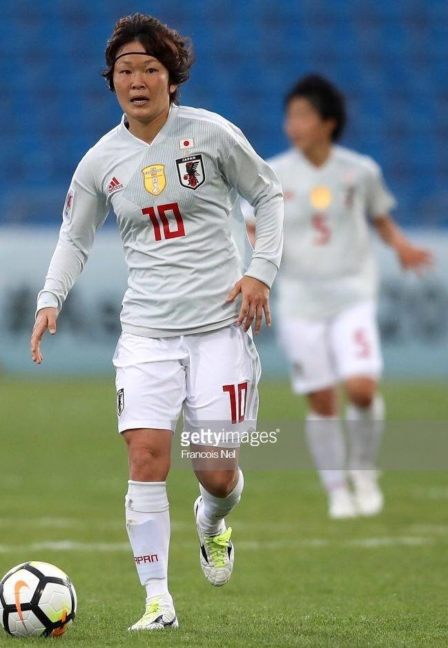 なでしこ-2018-adidas-アジアカップ-アウェイ-阪口夢穂.jpg