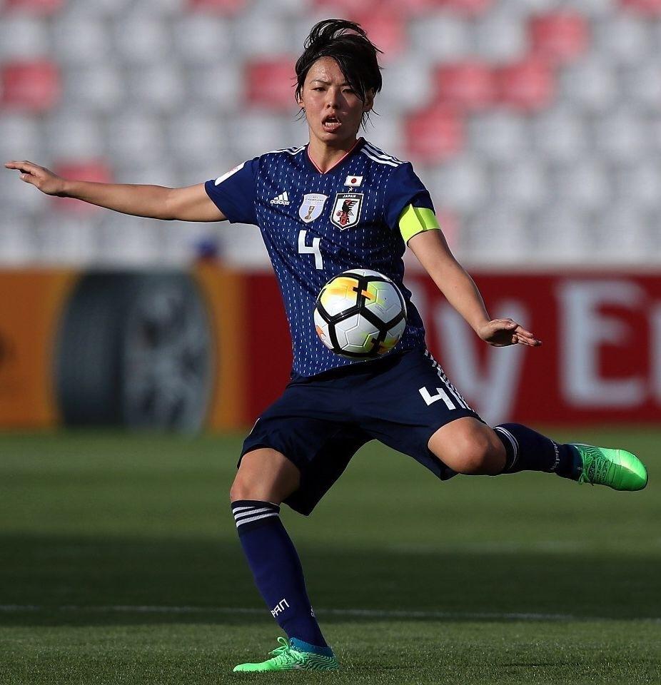 なでしこ-2018-adidas-アジアカップ-ホーム-熊谷紗希.jpg