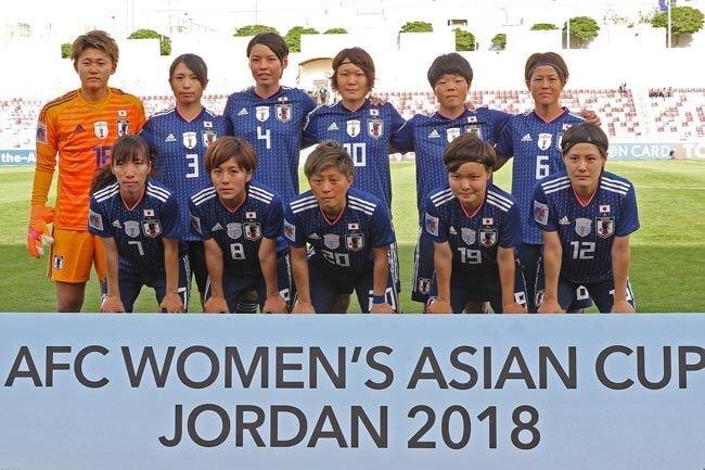 なでしこ-2018-adidas-アジアカップ-ホーム-集合.jpg