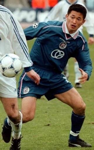 ディナモ・ザグレブ-1998-99-UMBRO-ホーム-カズ.jpg