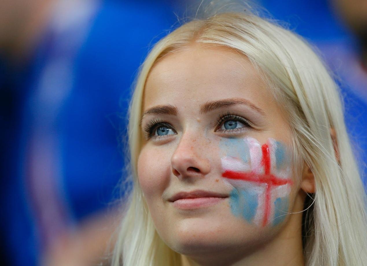 ユーロ美女サポーター-アイスランド-1.jpg