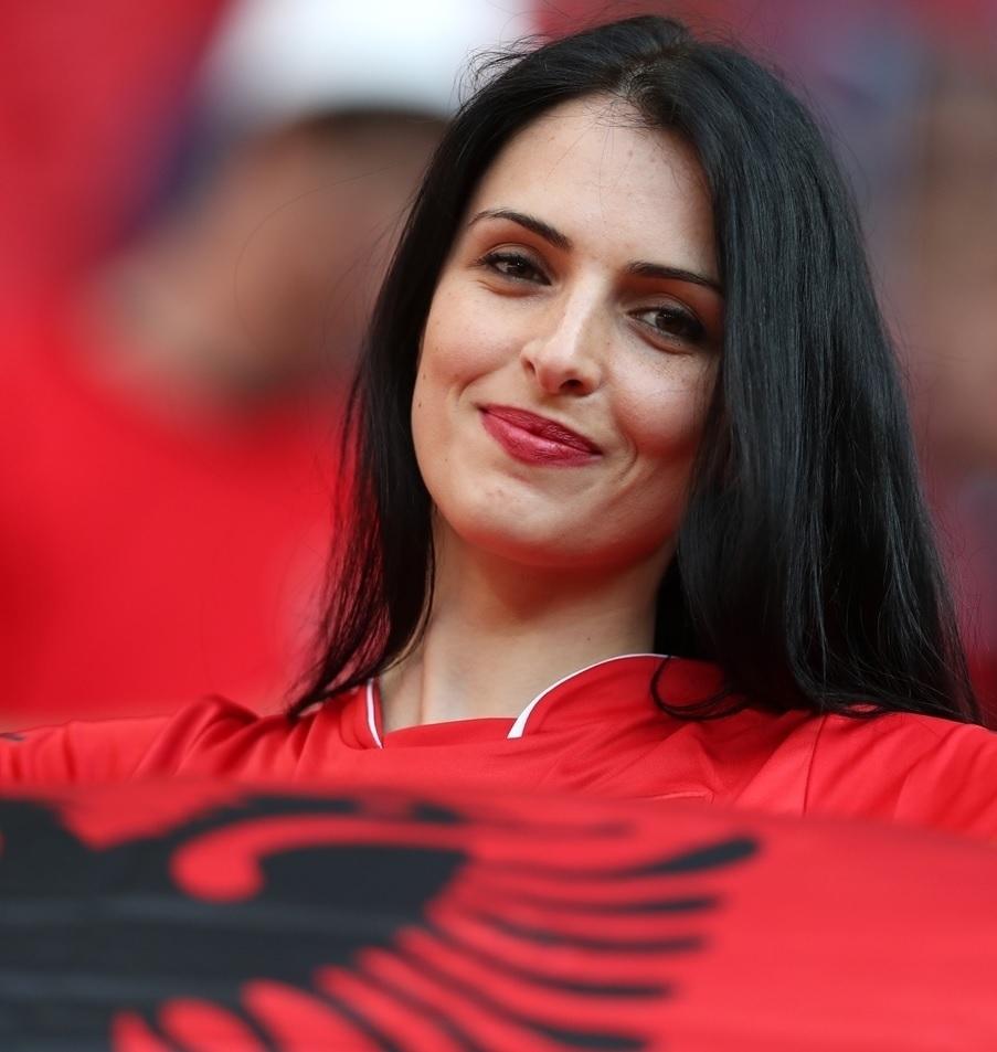 ユーロ美女サポーター-アルバニア-15.jpg