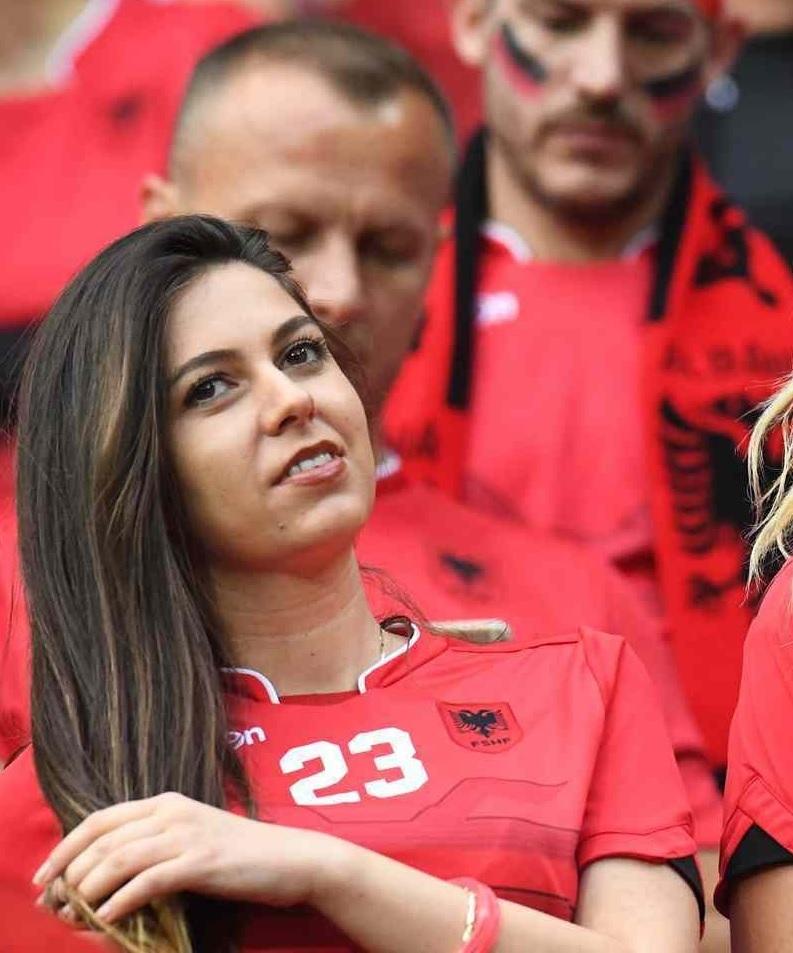 ユーロ美女サポーター-アルバニア-16.jpg