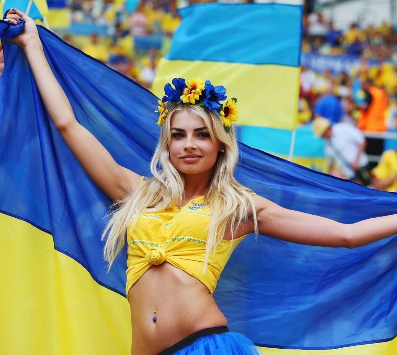 ユーロ美女サポーター-ウクライナ-3.jpg