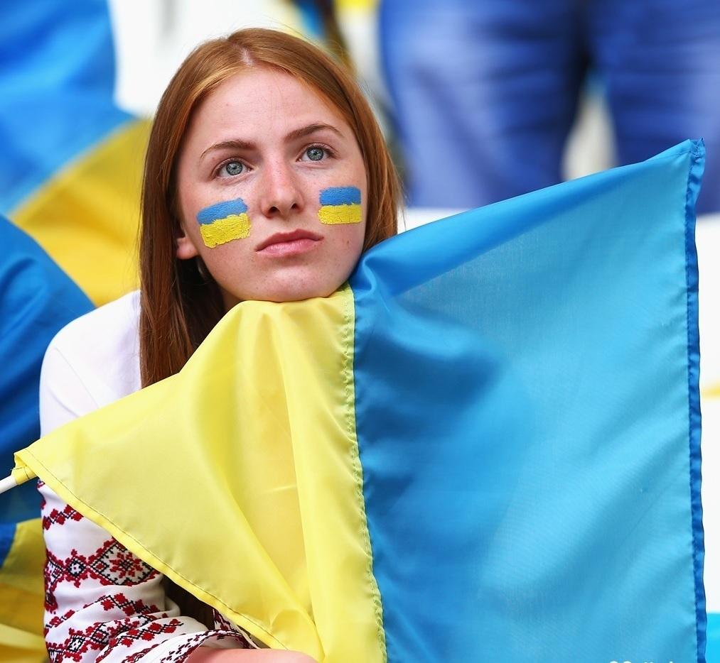 ユーロ美女サポーター-ウクライナ-4.jpg
