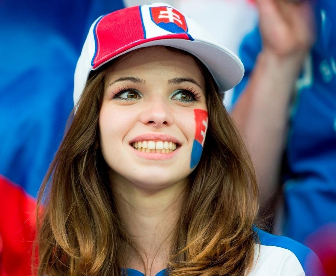 ユーロ美女サポーター-スロバキア-1.jpg