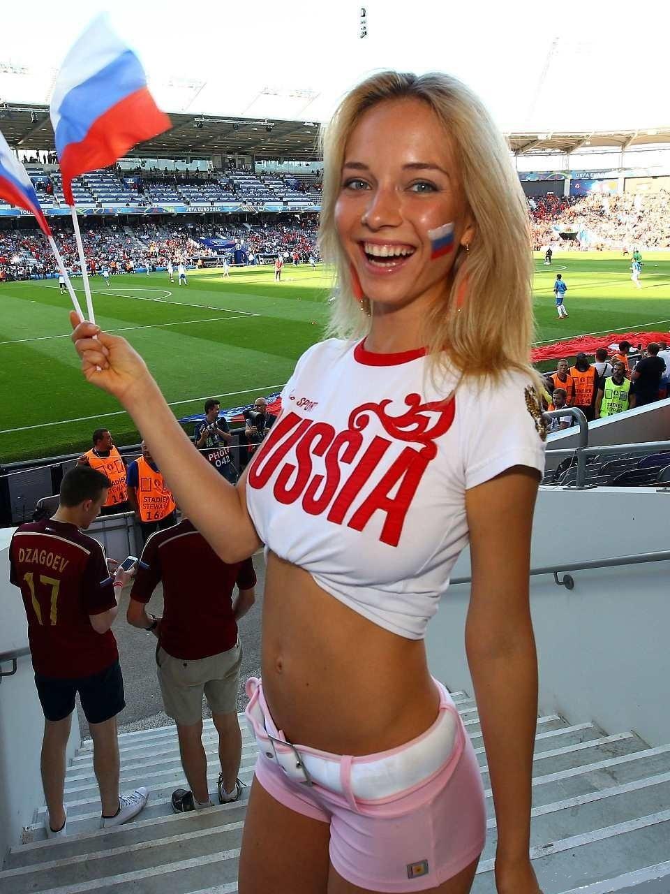 ユーロ美女サポーター-ロシア-1.jpg