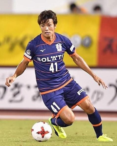 愛媛FC-2017-Mizuno-サマー.jpg