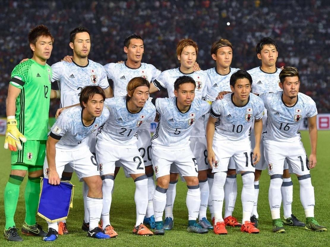 日本代表-20151117-カンボジア代表-アウェイモデル-集合.jpg