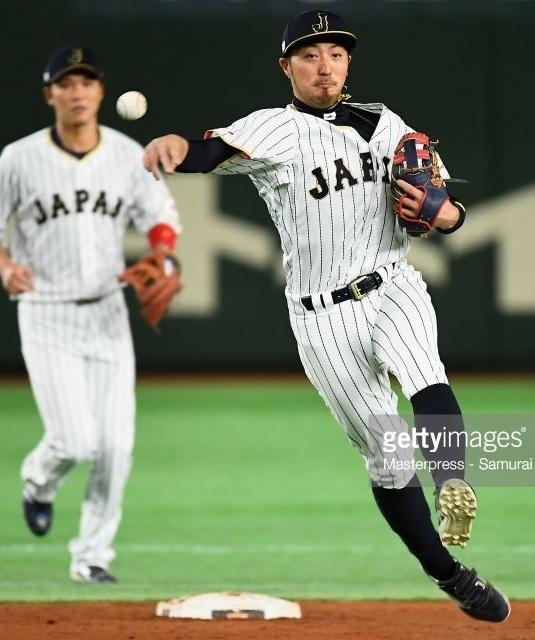 日本代表-2017-ワールド-ベースボール-クラシック-ホーム-菊池涼介.jpg