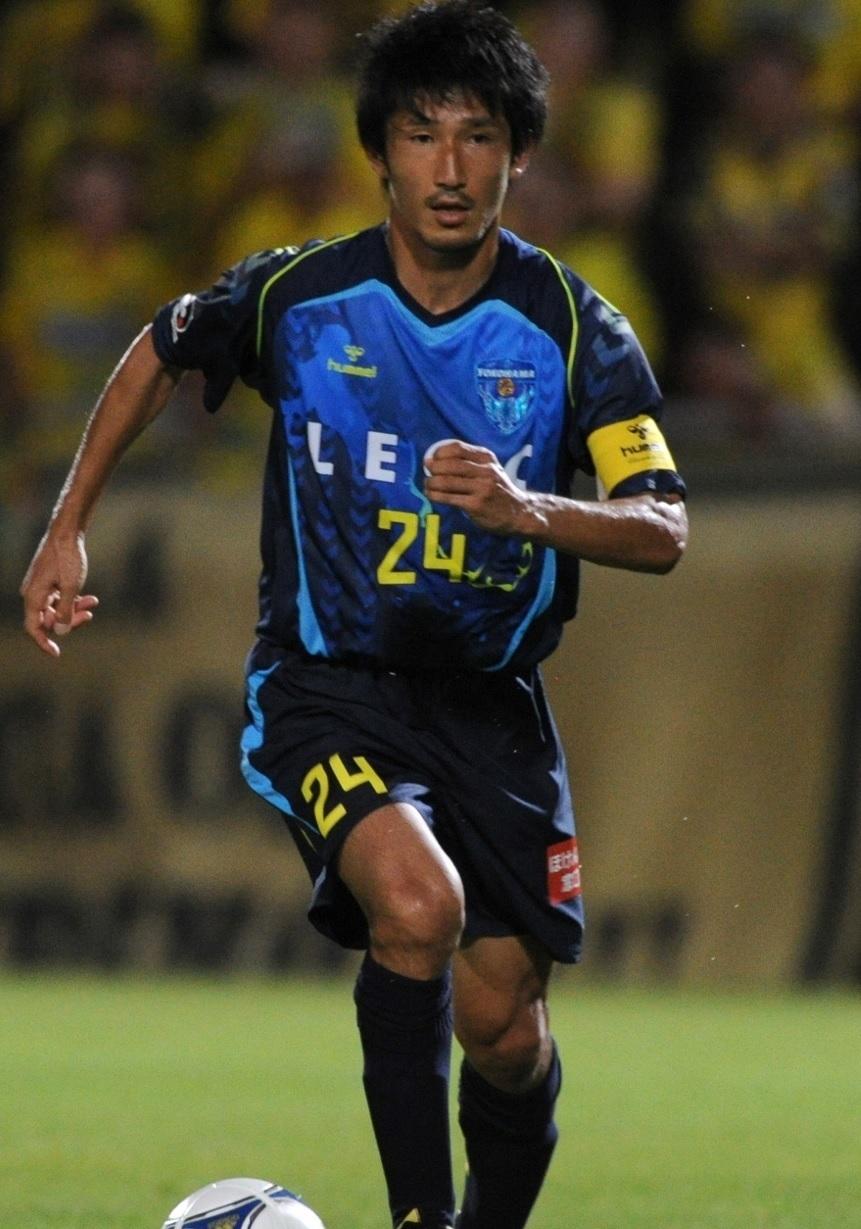 横浜FC-2012-hummel-サード-堀之内聖.jpg