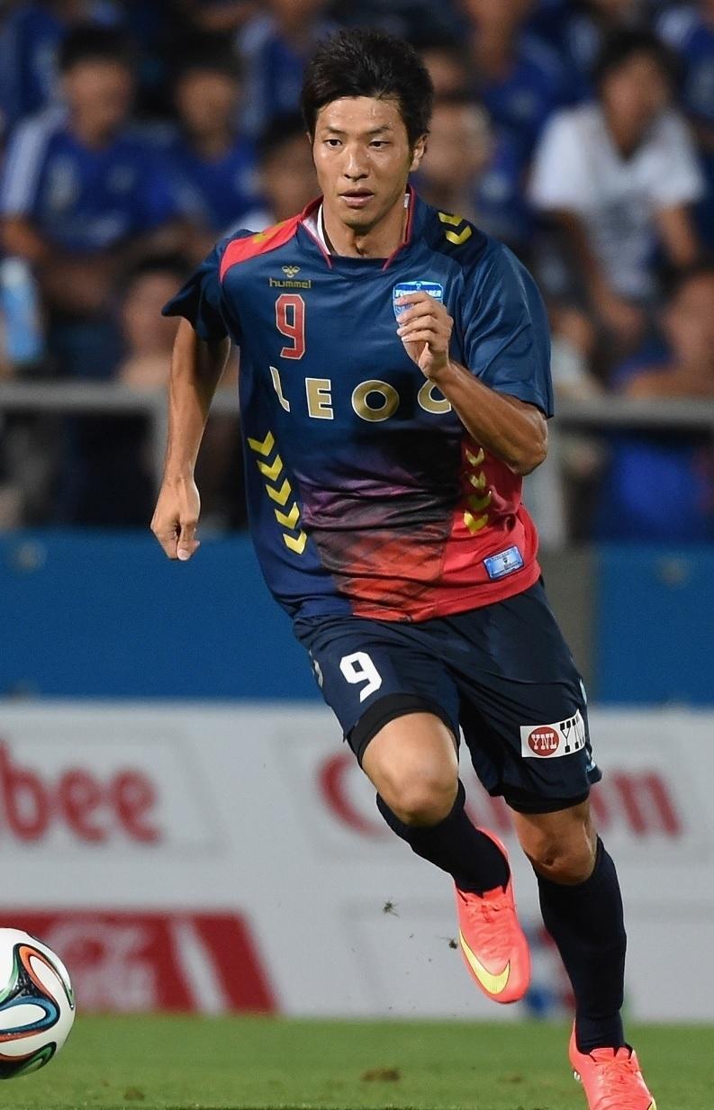 横浜FC-2014-hummel-サード-黒津勝.jpg