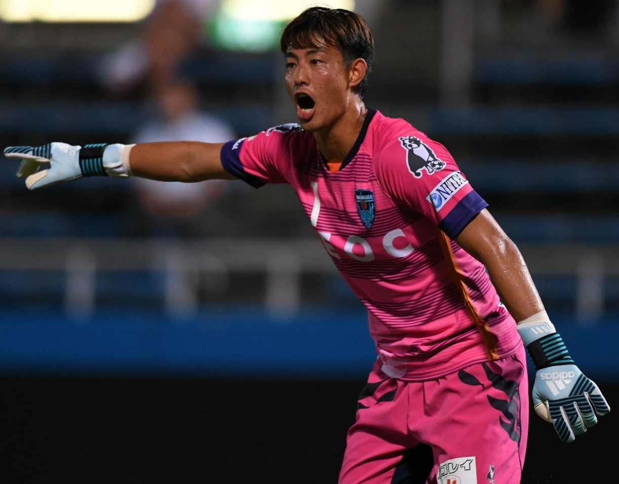 横浜FC-2017-Soccer-Junky-保土ケ谷区制90周年記念-GK.jpg