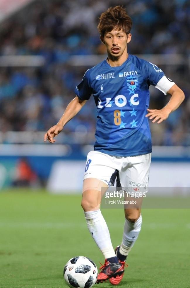 横浜FC-2018-SOCCER-JUNKY-20周年-佐藤謙介.jpg