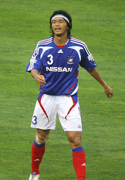 横浜F・マリノス-2007-adidas-first-kit-blue-white-red.jpg