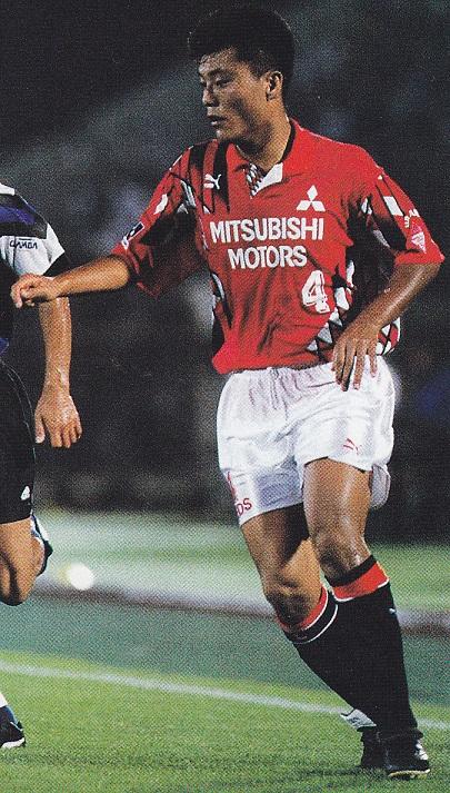 浦和レッズ-1994-PUMA-ホーム-曹貴裁-19940730-ナビスコカップ準々決勝-ガンバ-0-3(万博)-Soccer-Digest.jpg