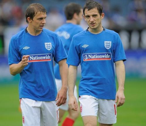 England-10-UMBRO-training-blue.JPG