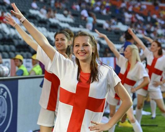 England-fans-2012-3.jpg