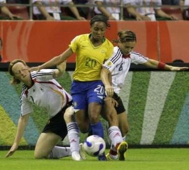 Fドイツ白黒白2-0ブラジル黄青青.jpg