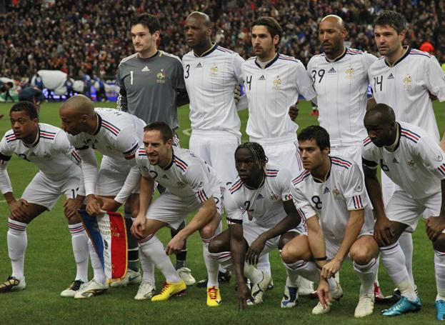 France-10-11-adidas-away-uniform-white-white-white-group.JPG