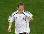 GER(Bastian Schweinsteiger)GER-POR(060708).jpg