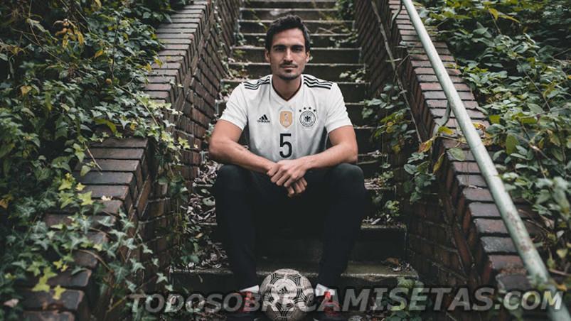 Germany-2017-18-adidas-new-home-kit-21.jpg