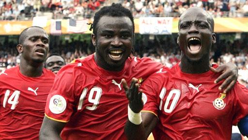 Ghana-06-07-PUMA-red-red-red-logo.JPG