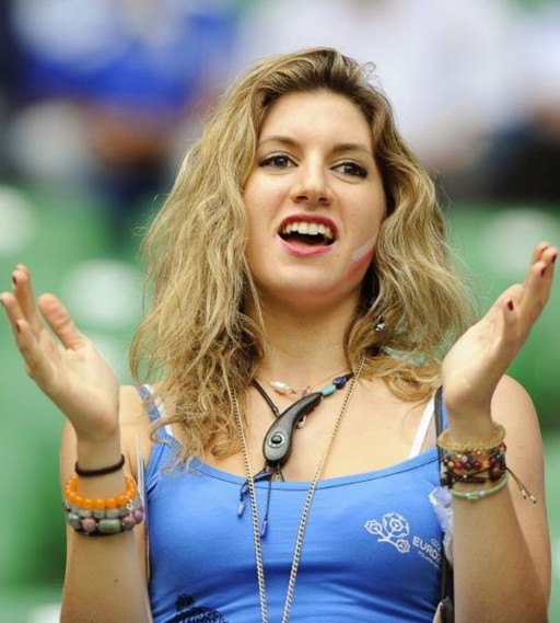 Greece-fans-2012-4.jpg