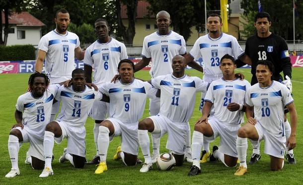 Honduras-10-11-Joma-home-kit-white-white-white-pose.JPG