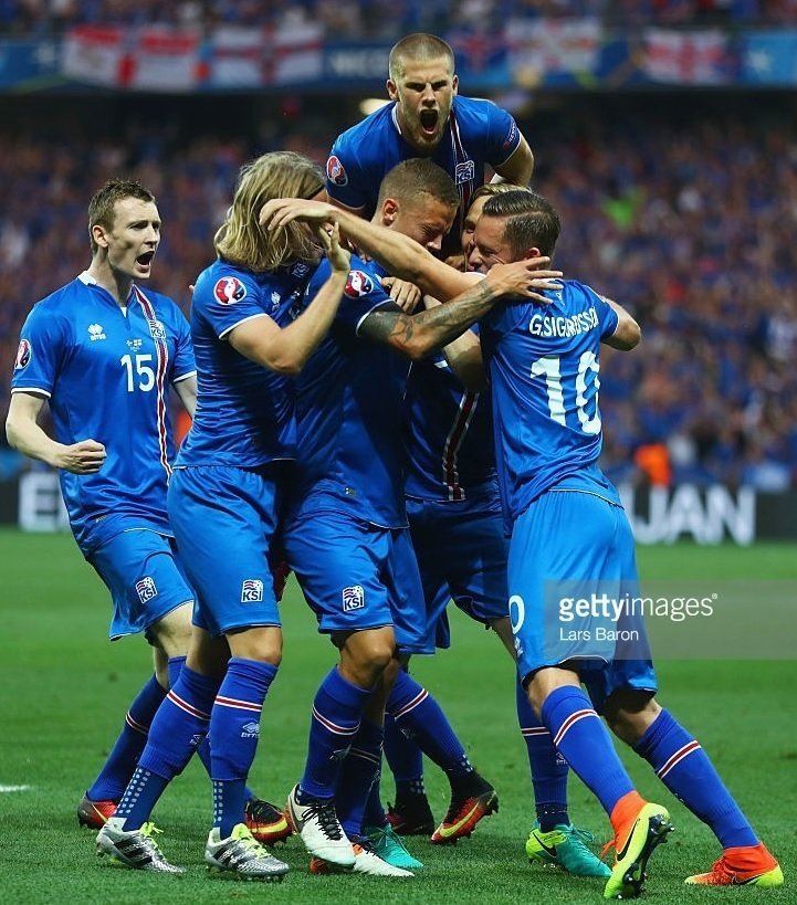 Iceland-Roaring-of-delight-20160627_2.jpg