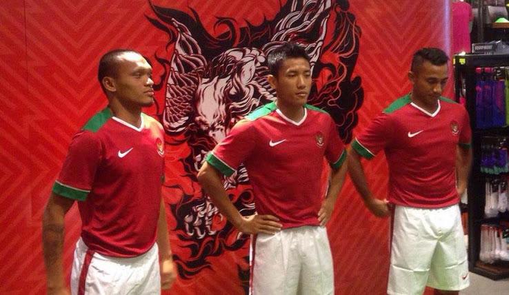 Indonesia-14-15-NIKE-new-home-kit-1.jpg