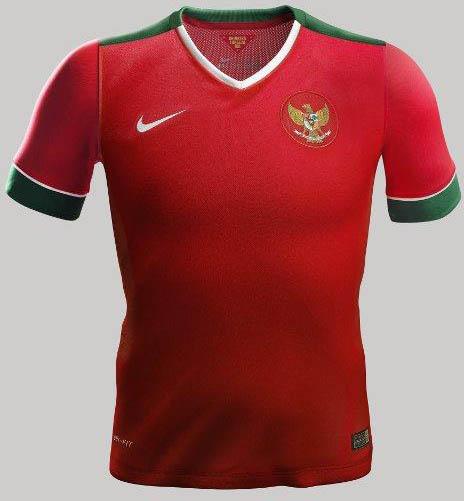 Indonesia-14-15-NIKE-new-home-kit-2.jpg