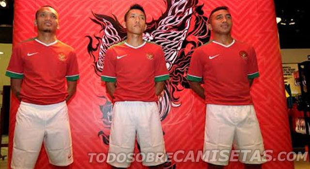 Indonesia-14-15-NIKE-new-home-kit-3.jpg